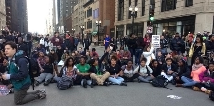 Youth take the street, leading a march for Rahm Emanuel's resignation. Photo: Nidalis Burgos via Facebook